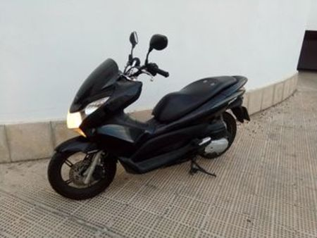 honda honda pcx 125 occasion le parking. Black Bedroom Furniture Sets. Home Design Ideas